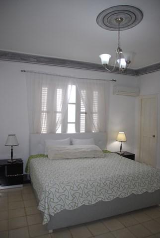Appartamenti havana 103 villa con piscina con sei for Piani di sei camere da letto