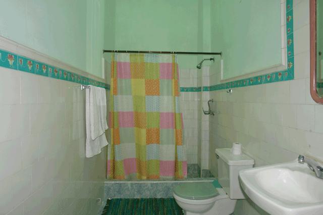 Appartamenti havana 122 affitto camera havana vecchia - Descrizione di una camera da letto ...