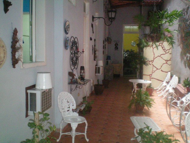 13- COLONIAL HOUSE TO RENT IN OLD HAVANA