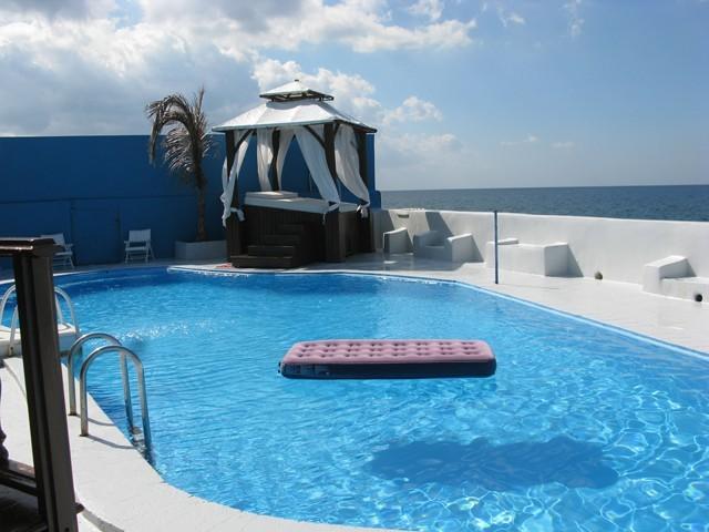 Appartamenti havana 48 villa lusso con piscina affitto for Piscina di lusso