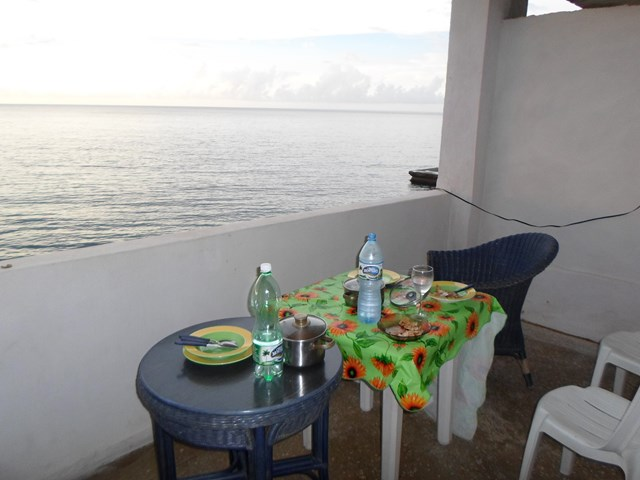61 - STUDIO APARTMENT WITH SEA VIEW FOR RENT IN HAVANA
