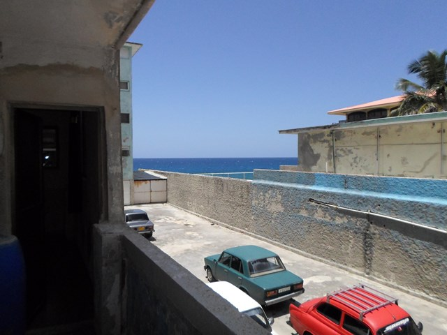 62 - TWO ROOM APARTMENT FOR RENT IN HAVANA CUBA PLAYA